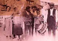 GAITEROS DE TRAMACASTILLA EN CALOMARDE. AÑO 1925. FOTO CEDIDA POR LA DGA