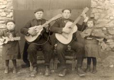 RONDALLA EN GALLOCANTA 1924. FOTO CEDIDA POR EL CENTRO DE ESTUDIOS DEL JILOCA
