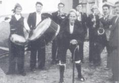 LA ORQUESTA DE OLALLA. AÑO 1948. CEDIDA POR EL CENTRO DE ESTUDIOS DEL JILOCA