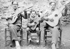 RONDALLA EN BURBÁGUENA. AÑO 1930. MANOLO BAREA. CENTRO DE ESTUDIOS DEL JILOCA