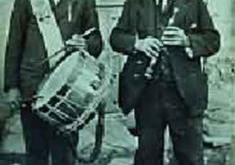 EL TÍO PACO, SU HIJO JESÚS. TRAMACASTILLA, AÑO 1922. CEDIDA POR LA DGA